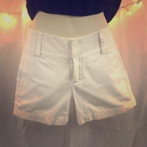 White banana republic shorts